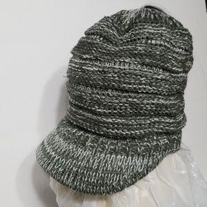 vicver Accessories - Vicver ponytail beanie hat